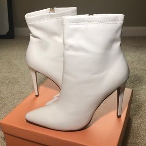 White ankle booties - faux leather